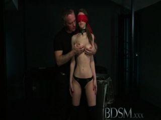 bdsm xxx jungen vollbusigen Unter wird hart anal von ihrem Meister