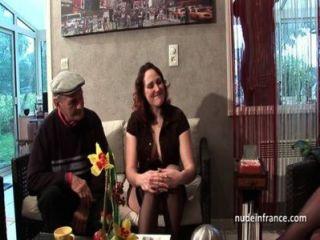 ffm zwei französisch Brünette ein alter Mann Hahn von Papy Voyeur teilen
