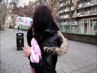 PornXN britische Mädchen in der Öffentlichkeit pissing