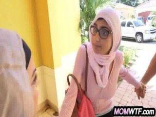arab Mutter und Tochter teilen Hahn Juli Vega-, mia Kalif 20 81