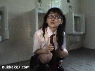 cum durchnäßt japanische Schülerin Öffentlichkeit - bukkake7
