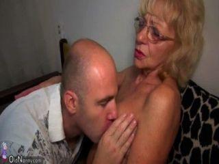 heiße junge Kerl fickt Oma mit Strap-on oldnanny