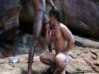 Homosexuell Latinos von hinten ficken
