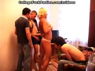 nackt College Mädchen am besten Sex-Vergnügen zu harten Männer geben