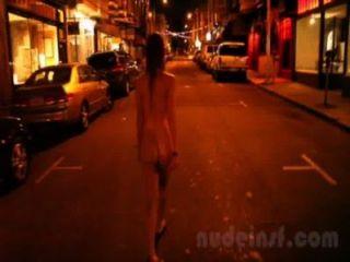 nackt in San Francisco: kurzer Clip von Mädchen Straßen nackt spät in der Nacht zu Fuß