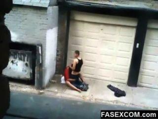 borracha se la follan en la calle
