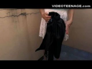 schüchterne Teenager hat ihre erste anal Porno-Casting