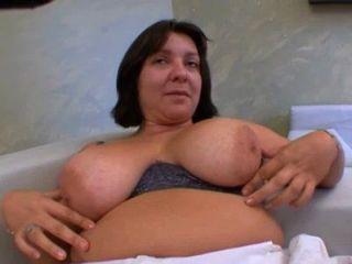 grosse cochonne bien sodomisee et elle adore! französisch Amateur