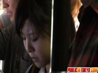 japanische Teenager, die Sex in der Öffentlichkeit