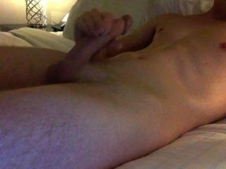 hot guy großen Schwanz masturbieren und Cumming
