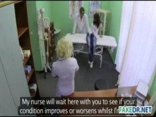 geil Assistent trifft auf ihrem Patienten