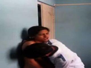 indische Schwester und Bruder