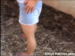 gebohrte jugendlich Kitty möchte, dass Sie mit ihr zu spielen