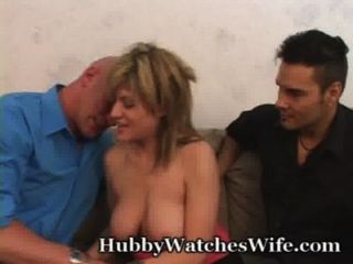 Frau ist so glücklich, sie ficken anderen zu haben mein Mann beobachten