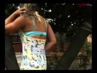 Italienisch blonde Schlampe von zwei geile Männer gefickt