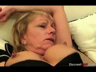britische Mutter aufwachen Sohn
