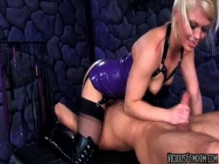 Asche Hollywood und Lanze hart Domina cbt verdammtes Kastration