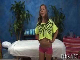 18 sexy Jährige hottie erhält hart gefickt