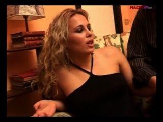 ragazza figa straniera scopa italiano - ausländische Mädchen fickt Muschi italienisch