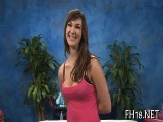 sexy 18-jährige Mädchen erhält hart gebohrt