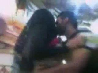 Sex in der Öffentlichkeit in mobil-Shop von hidden cam
