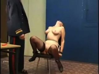 schwere Prügel Strafe für russische Mädchen