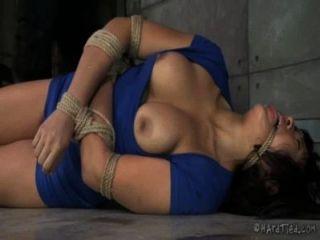 dick asiatisch in Bondage
