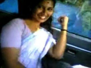 kerala aunty shanthi Boob-Show in omni van