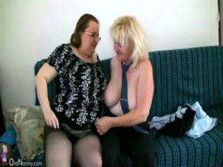 oldnanny reifen mit großen Titten zusammen mit mollig Oma masturbieren