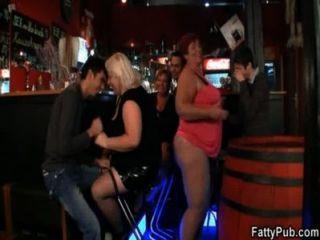 drei Fett beitreten schmutzigen Sex-Party
