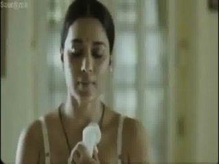 hot Bangali Schauspielerin Kleid Änderung vor ihrem Onkel