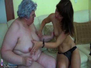 big fat Oma mit einem netten Mädchen