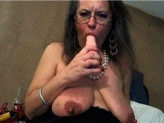 reifen mit großen Klitoris und große schlaffe Titten