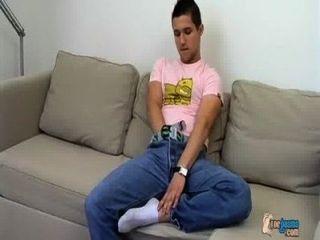 bullige Junge und seine cummy Füße