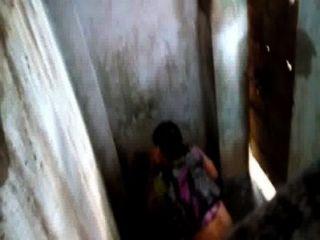 bangladeshi VABI auf Toilette