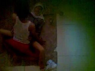 spycam - neightboor tragen jilbab auf dem Boden Sex