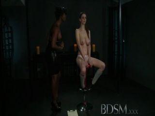 bdsm xxx junge Mädchen bekommt einen Schock aus sexy lesbische Geliebte