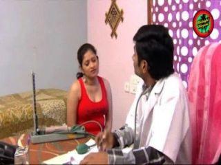 indischer Arzt heiße Romanze mit Dame im Hause Boob Atem und Esel schlagen