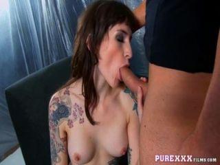 purexxxfilms großen Titten MILF genießt großen Schwanz