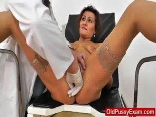 Rothaarige Mama Vagina Arzt Rollenspiel