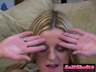blonde Cutie denice k weiß, wie ein necken sein