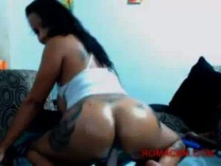 Latina mit großen Esel amp Titten reitet deinen Schwanz auf Webcam