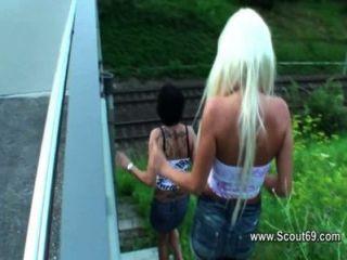 Deutsch und Schweizer Amateur Teen beim anal Dreier