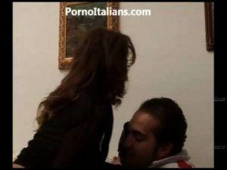 Porno italiano amante fottuta ein pecorina - Porno italienische Liebhaber einen Hund ficken