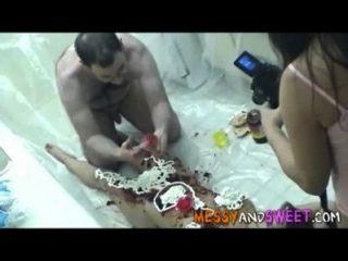 Amateur pervertieren und sein Essen Fetisch