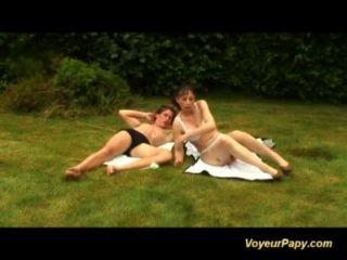 Orgie in der Natur mit Voyeur Papy