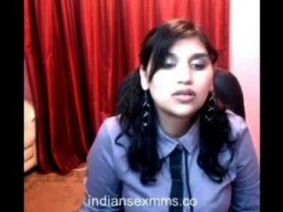 heiße College-Mädchen auf Webcam geht nackt