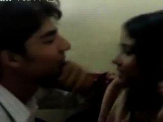 schönes Mädchen indischen College geküsst Anruf nowmr.suraj Schah, 08082743374