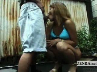 untertitelte unzensierte japanische öffentliche Nacktheit Blowjob