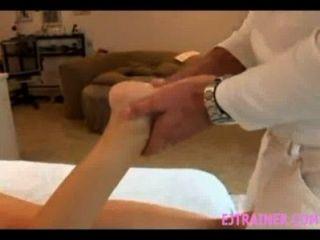 Massage verwandelt sich in Sex